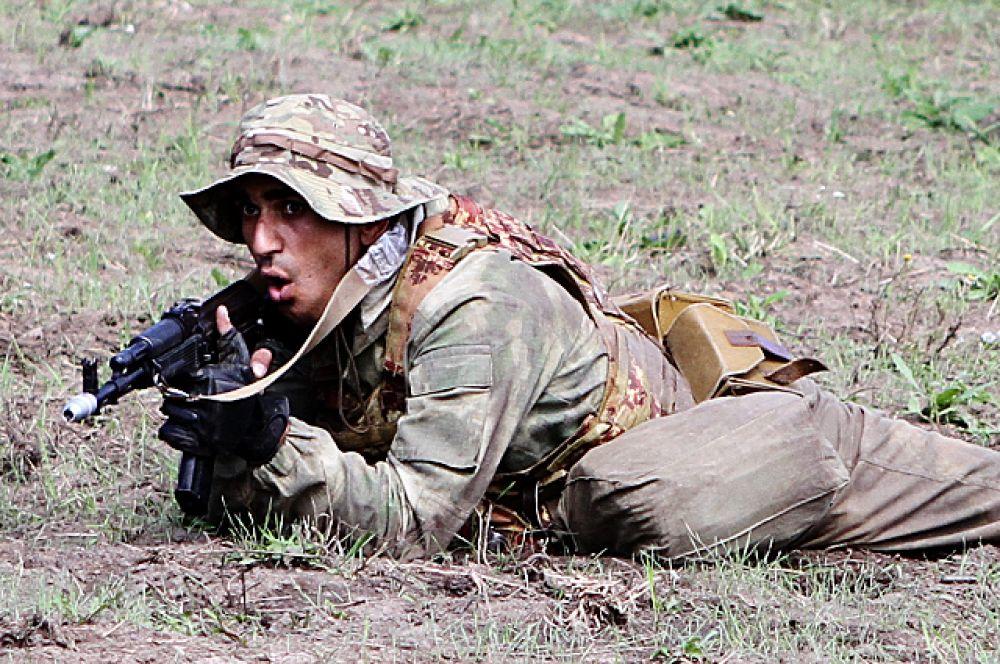 У военнослужащих из Армении дела на этом турнире идут неважно. По предварительным результатам они идут на последнем, общекомандном месте.