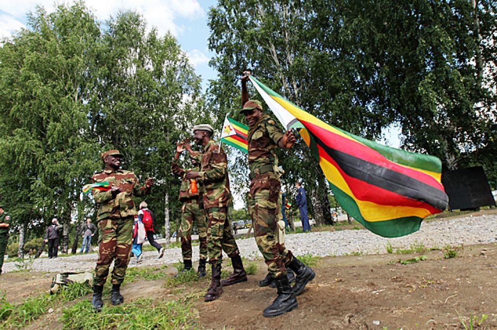 Тем более, что у военных из Зимбабве была солидная моральная поддержка от болельщиков.