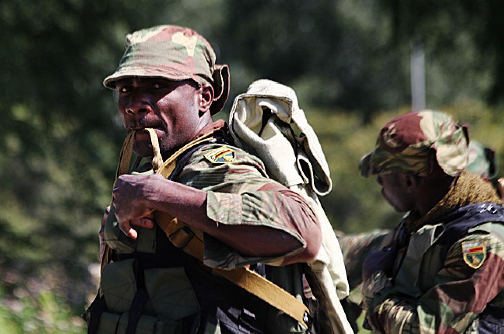Безусловно, самая колоритная команда войсковых разведчиков прилетела в Россию из Зимбабве.