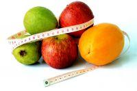 В свой рацион обязательно нужно включать фрукты и овощи.