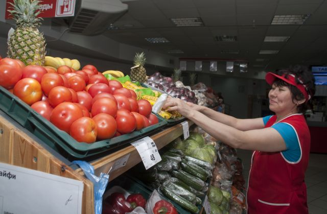 «Если наши продукты будут дешевле и вкуснее, чем импортные, они вытеснят с полок дорогие и неконкурентоспособные», - считает Алексей Вершинин.