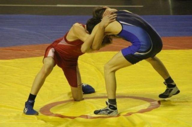 Воспитанник красноярской школы борьбы выступит на Олимпиаде.