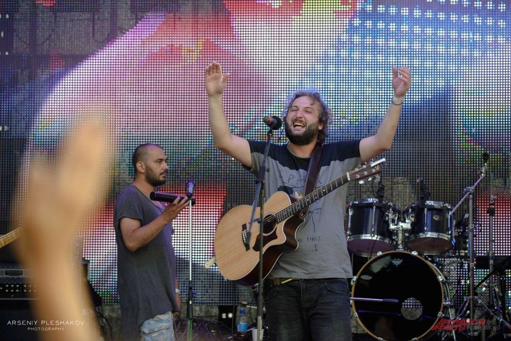 На главной сцене прошёл концерт с участием Мгзавреби (Грузия), Дарлини (Великобритания-Россия), Анна Гофман (Москва), Туман (Пермь).