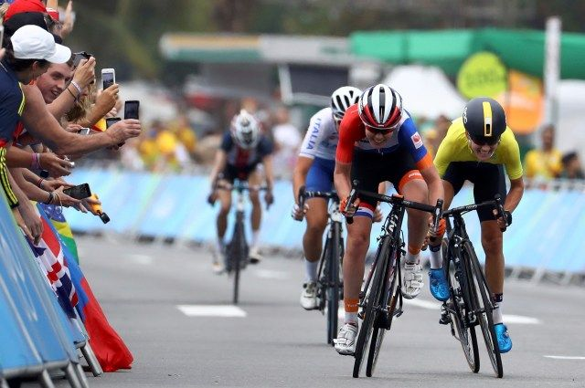 Велогонщица ван дер Брегген завоевала золото Олимпиады-2016 вгрупповой гонке