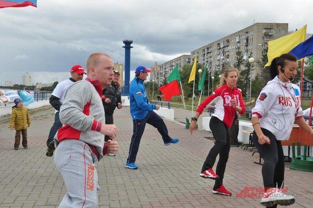 Для гостей праздника организаторы подготовили разнообразную спортивную программу!