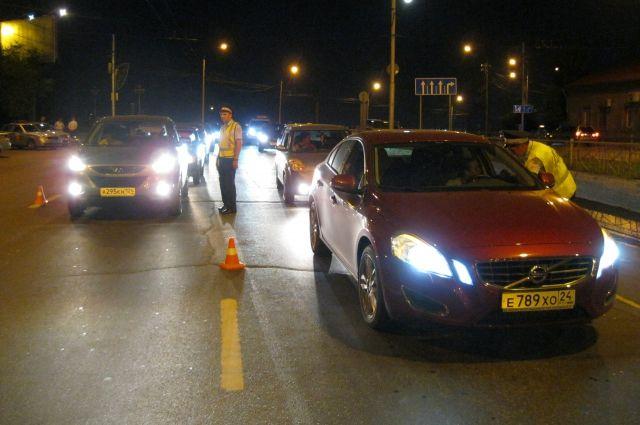 Навыходных красноярские полицейские словили 64 нетрезвых водителя