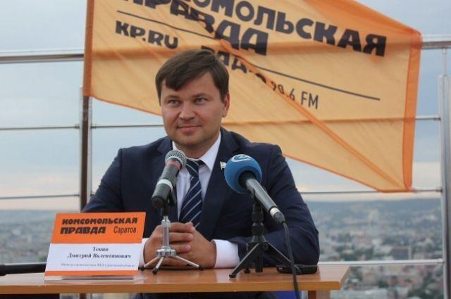 Министр возведения Саратовской области провел конференцию накрыше 38-го этажа