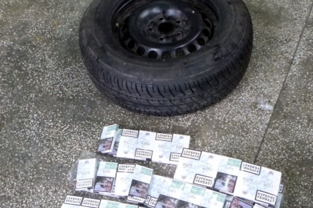 Сотрудники таможни поймали калининградца с 25 кг контрабандных сигарет.