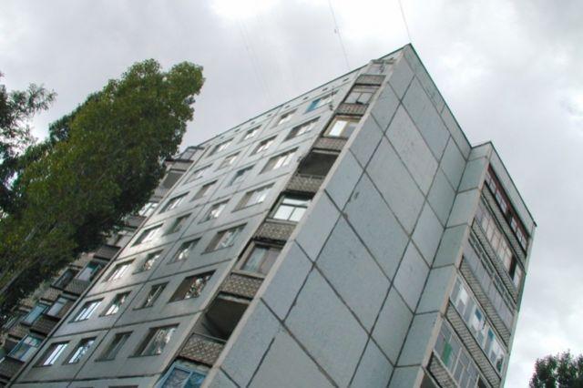 ВВолгограде госпитализирован ребенок, упавший счетвертого этажа