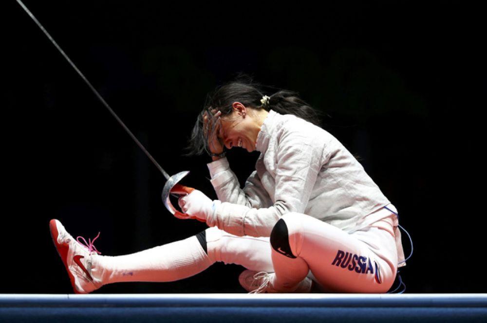 Софья Великая и Яна Егорян заставили мир наблюдать за российским финалом в турнире саблисток на Олимпиаде в Рио-де-Жанейро. В итоге золото досталось Яне.