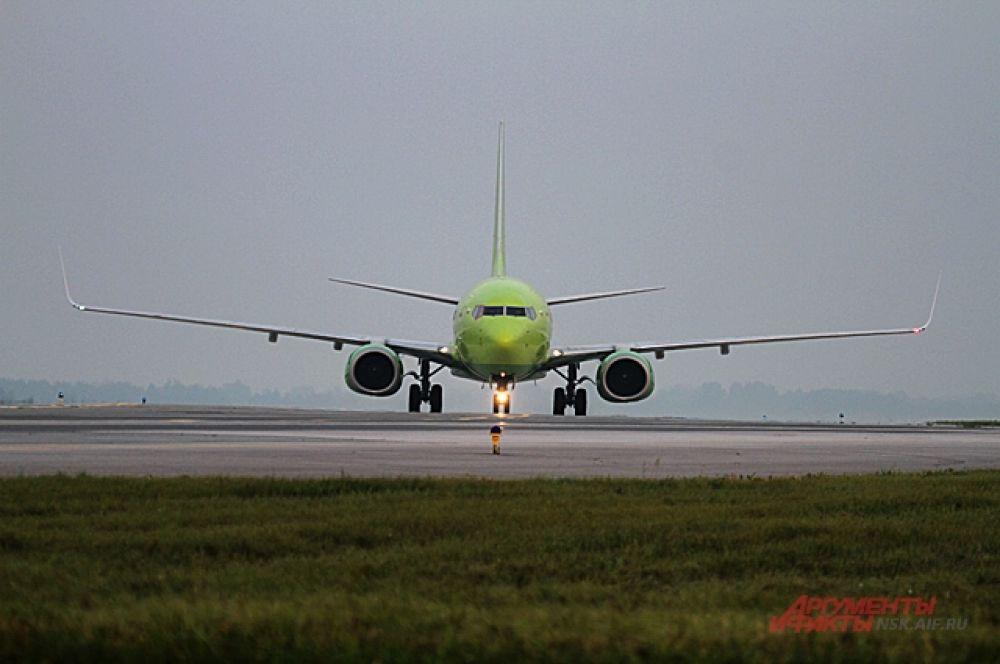 Самолёты впечатляют своими масштабами и красотой.