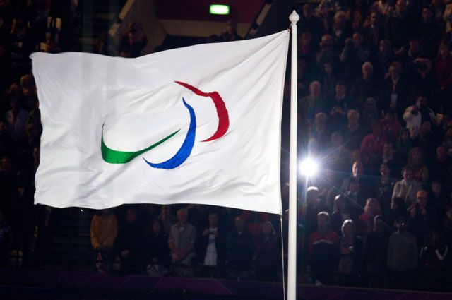 Флаг Паралимпийских игр.