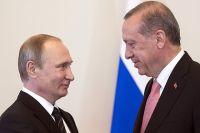 9 августа 2016. Президент России Владимир Путин и президент Турции Реджеп Тайип Эрдоган во время встречи в Константиновском дворце.