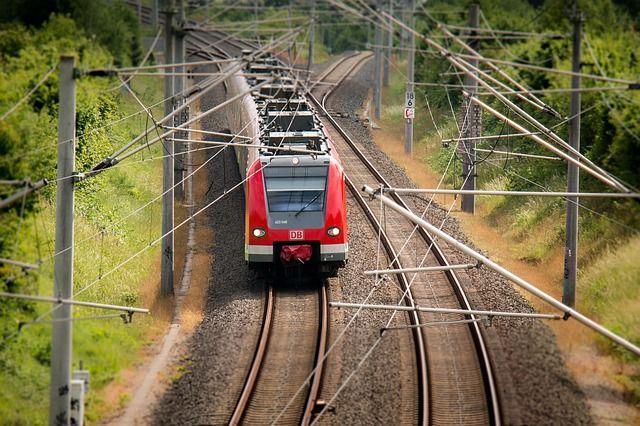 ВУдмуртии мужчине, попавшему под поезд, отрезало ступню