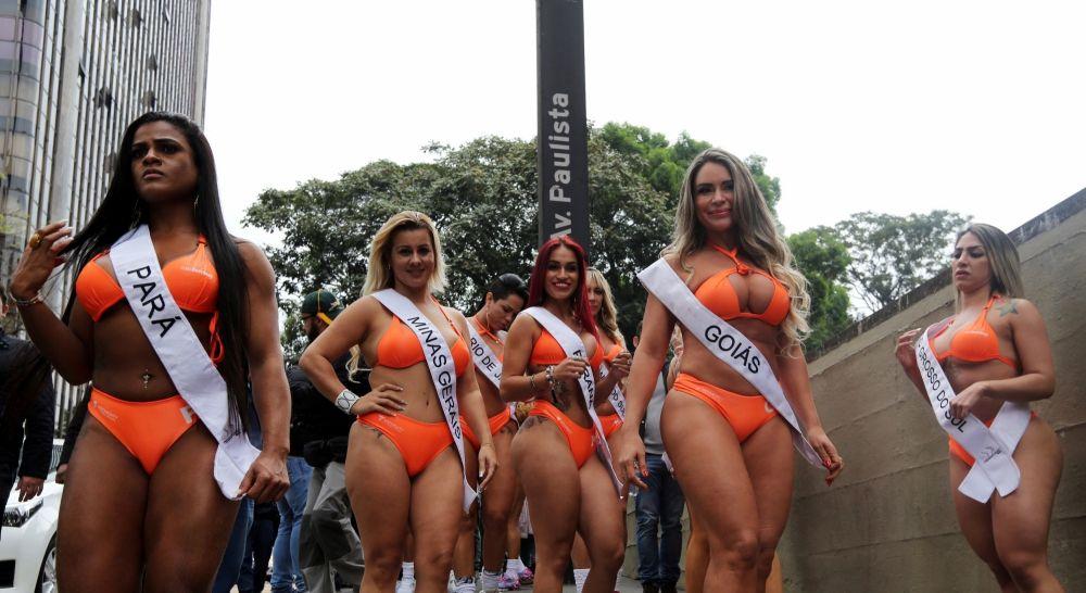 Многие девушки из Бразилии танцуют, поэтому у них такие массивные ноги