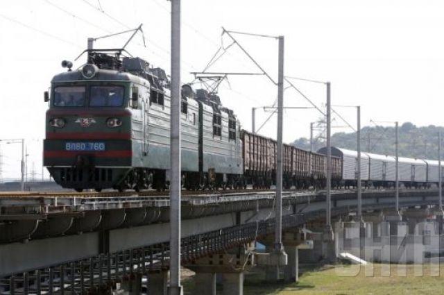ВДонецкой области под обстрел попали два локомотива