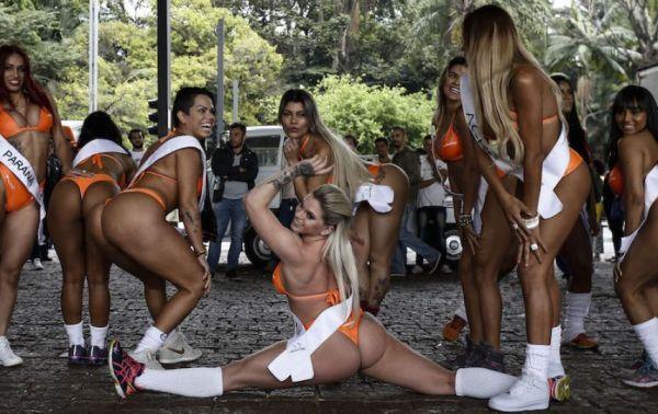 Вот так девушки демонстрируют свою гибкость