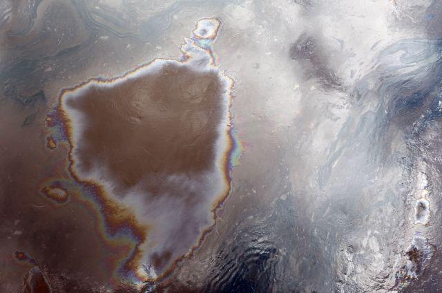 Военный корабль мог стать предпосылкой разлива нефти взаповеднике Приморья