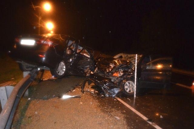 Два человека погибли вДТП натрассе вПриангарье