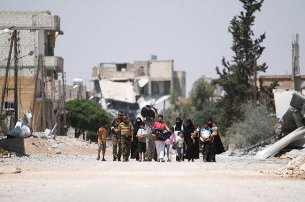 В общей сложности работают семь коридоров для выхода населения из восточной части Алеппо.