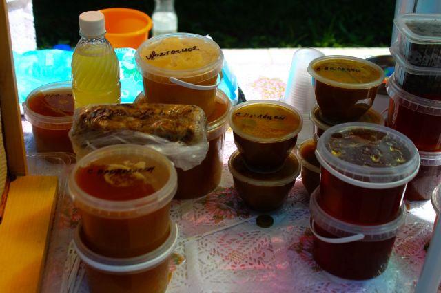 На ярмарке можно будет приобрести мед кировских пчеловодов.
