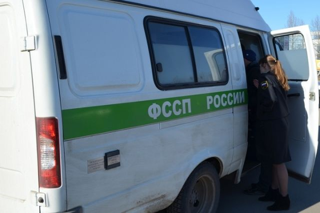 Суд Владивостока пробует взыскать сошкольницы изХанты-Мансийска неменее 35 млн. руб.