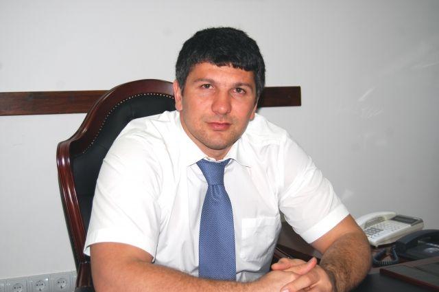 Дагестанский депутат объявлен врозыск поделу обизбиении полицейского