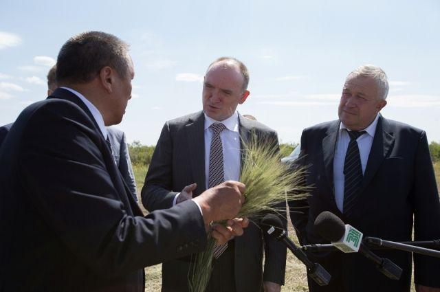 На Южном Урале будет развёрнуто новое производство сельхозтехники. Борис Дубровский ознакомился с этим проектом на недавнем празднике «День уральского поля».