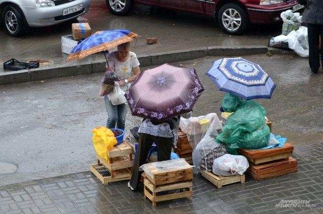 ВПетербурге объявлено штормовое предупреждение из-за ливней