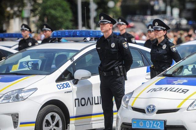Милиция сострельбой задержала водителя, ехавшего соскоростью 200 км/ч
