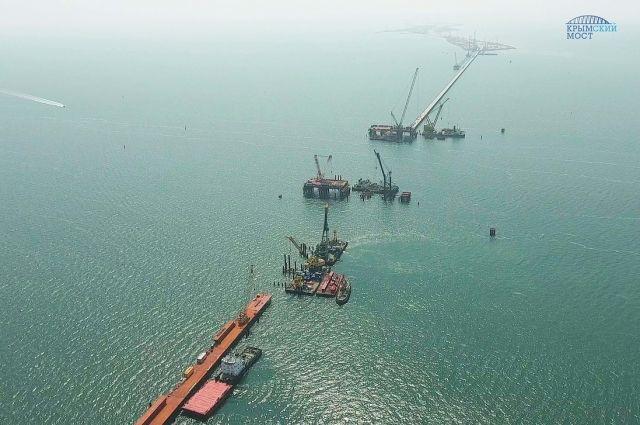Размещено новое видео возведения Крымского моста свысоты