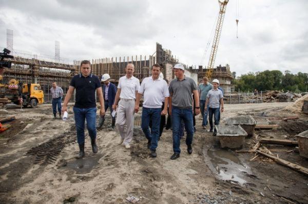 Семья мэра Казани решили купить в подарок зооботсаду 7 зебр (по количеству членов своей семьи).