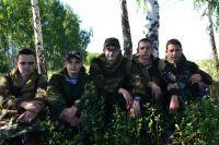 Участники похода слева направо: Ильдар Абулханов, Александр Кукшкин, Альберт Тукаев, Александр Колчин, Никита Фролов.
