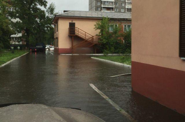 Из-за сильных дождей вИркутске эвакуировали детсад №122