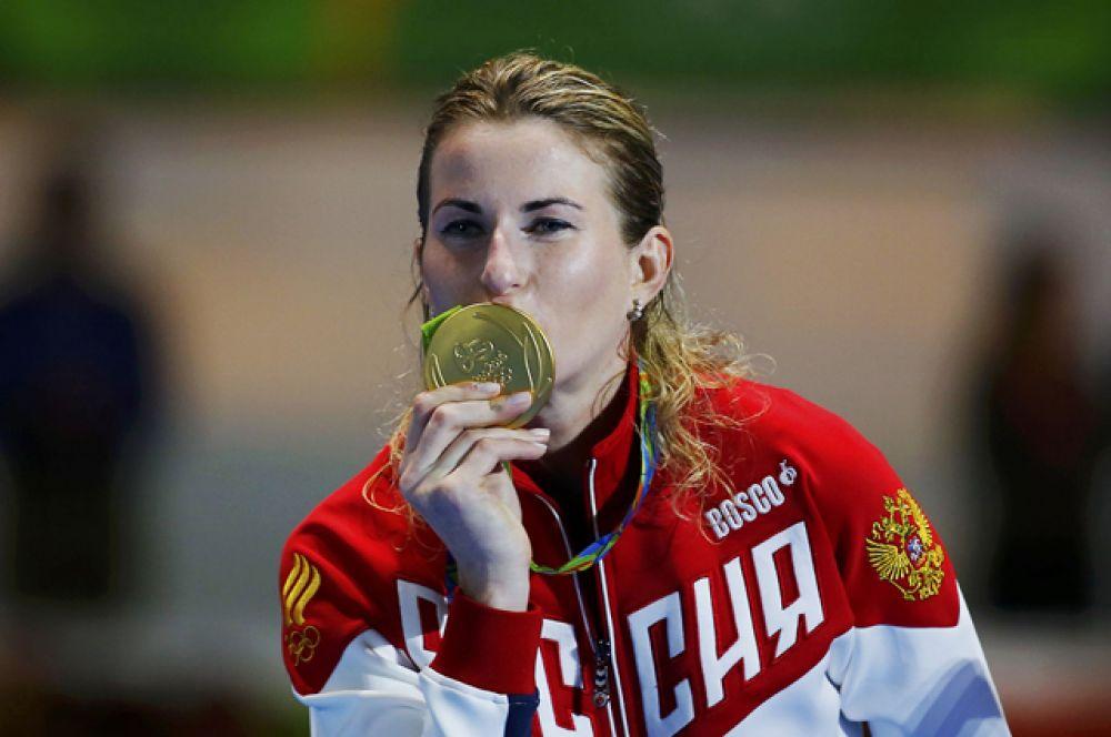 10 августа Инна Дериглазова завоевала золотую медаль в финале соревнований по фехтованию.