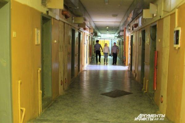 В следственном изоляторе Новочеркасска, бывшей тюрьме для смертников, содержится около 1600 человек.
