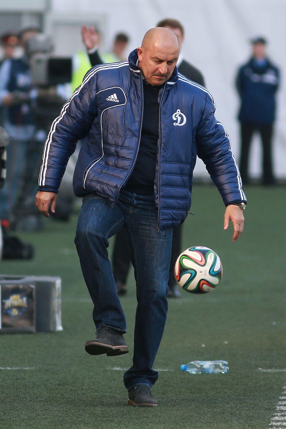 Среди тренерских достижений Черчесова — вывод клуба «Ваккер-Тироль» в высшую лигу чемпионата Австрии, а также серебро московского «Спартака», завоёванное им в чемпионате страны 2007 года.
