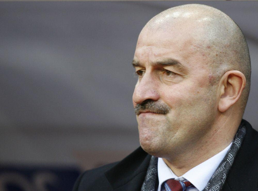 Летом 2015 года Черчесов был отправлен в отставку.
