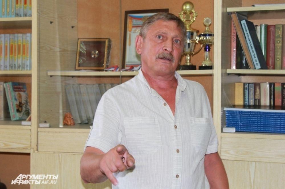 Алексей Васик помнит Чикатило, которого расстреляли 22 года назад. Сейчас  ветеран ГУФСИН работает в СИЗО библиотекарем.