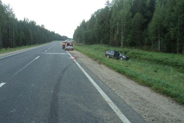 43-летний шофёр «Хендая» умер вДТП слосем вВерховажском районе