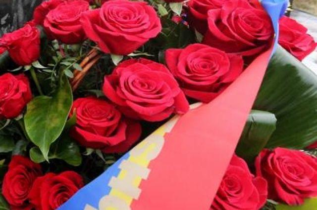 В Калининграде почтили память погибших 16 лет назад моряков АПЛ «Курск».