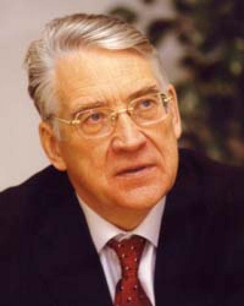 Юрий Петров. 5 августа 1991 года — 19 января 1993 года. Президент — Борис Ельцин.
