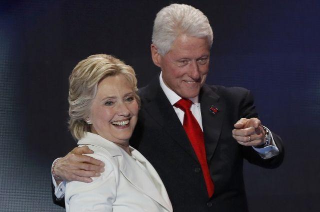 Кандидат впрезиденты США Клинтон показала свои доходы