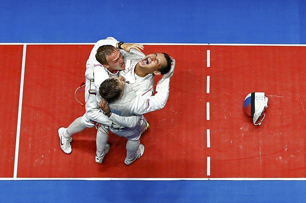 13 августа рапиристы Алексей Черемисинов, Тимур Сафин и Артур Ахматхузин завоевали «золото» в командном первенстве среди мужчин.