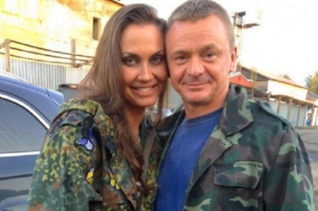 С нашей спортсменкой в фильме снимается известный актер Владимир Сычёв.