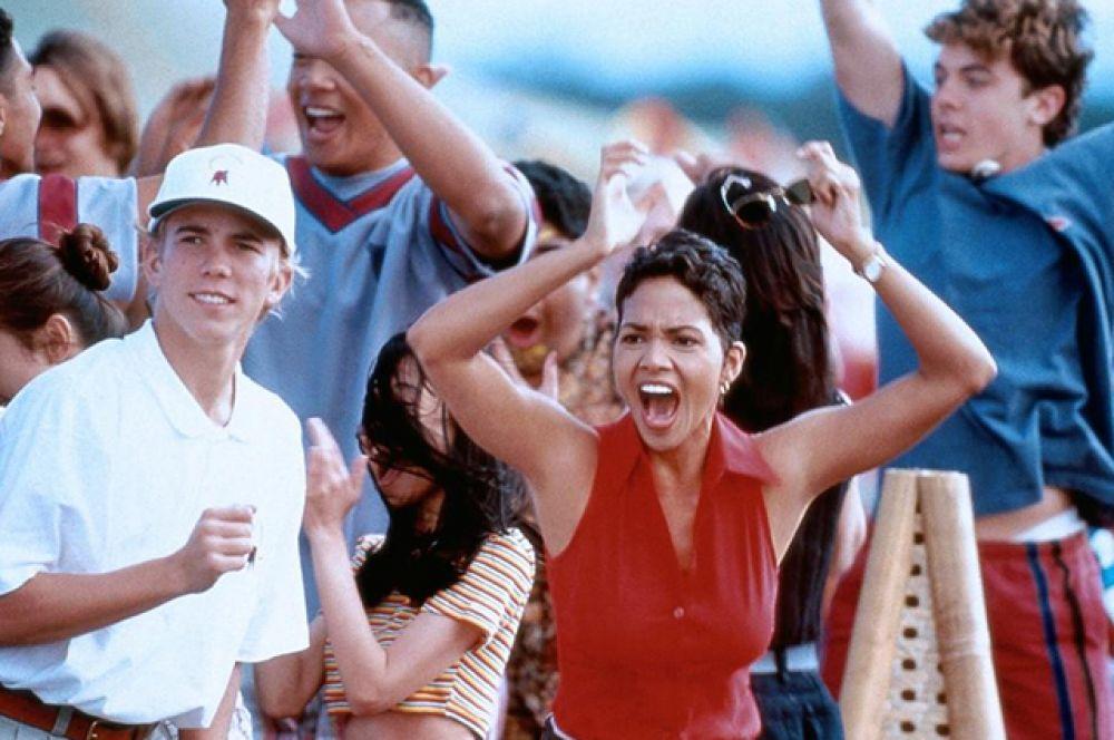 Снялась в фильме «В погоне за солнцем» (1996), снятом по реальной истории.