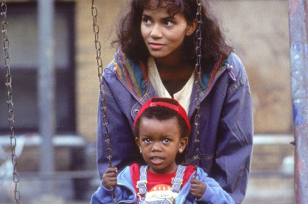 В фильме «Дело Исайи» (1995), Берри досталась серьёзная роль бывшей наркоманки, пытающуюся вернуть опеку над сыном.