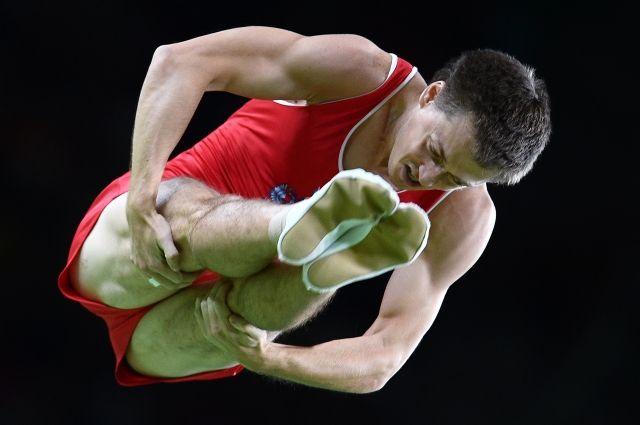 Владислав Гончаров одержал победу золото впрыжках набатуте