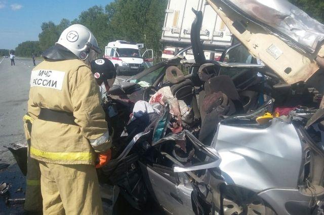 В некоторых авариях пострадавших достатьиз машины могли только спасатели