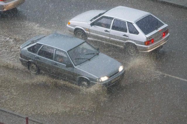 Ялтинскую дорогу закрыли для фургонов из-за оползня,— ГИБДД
